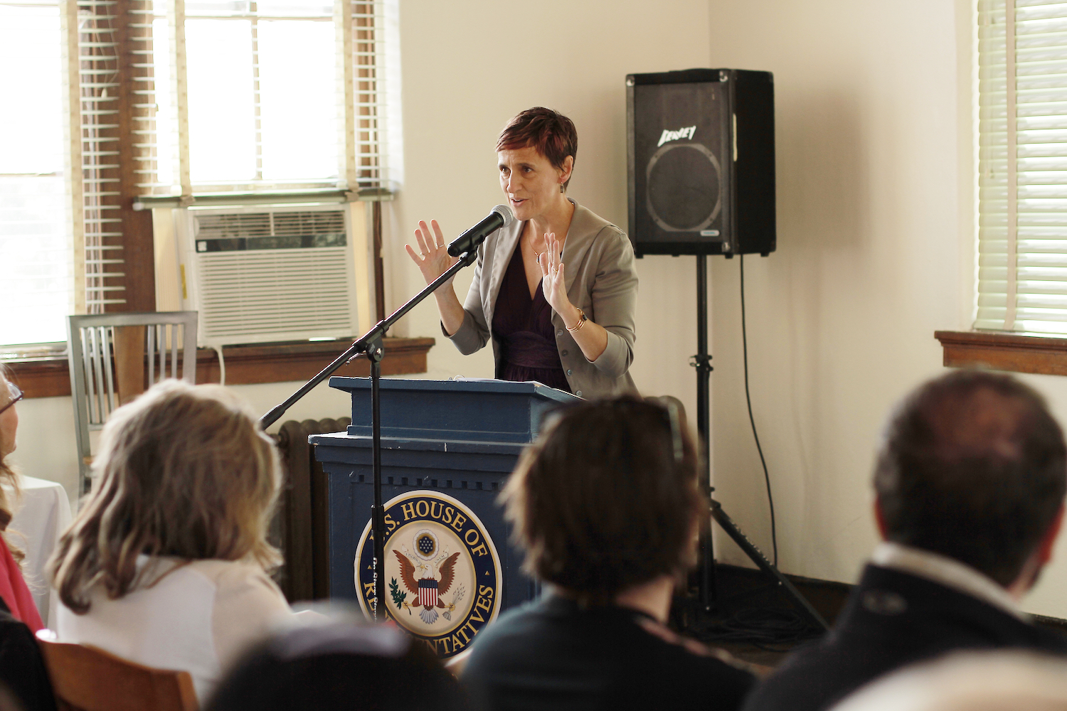 How to Talk to a Crowd: Public Speaking Tips
