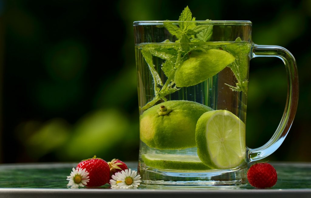 Thirst-quenching lime and mint drink. Photo credit: congerdesign. - PeriPakroo.com
